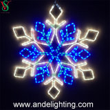 工場供給のクリスマスの装飾的な雪片のモチーフライト