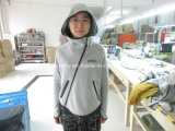 Обслуживание осмотра /Garment качественного контрола куртки Chloe женщин