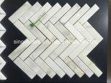 Mosaico de mármol con los modelos libres, ideales blancos para el hotel y el club