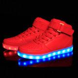 Première vente d'USA/UK rougeoyant 16 hommes de couleurs/chaussure lumineuse des femmes DEL