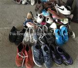 Новый человек прибытия & используемая женщинами оптовая продажа ботинка дешево