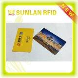Tarjeta de RFID con la raya de la firma