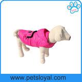 Ropa del perro de la capa de la fuente de producto del animal doméstico de la fábrica