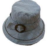 Im Freiensun-Wannen-Hut für Form