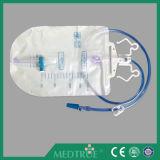 医学の使い捨て可能な2000mlサンプリングの入口弁のフォールドは尿袋を切る