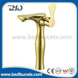 真鍮の拡張はハンドルの高い首の浴室の洗面器のコックのミキサーを選抜する