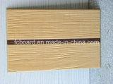 La tarjeta de madera del cemento con el asbesto libera