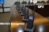 Le GPS traçant la radio tenue dans la main de P25 Digitals avec le GPS informent la fonction dans la bande de VHF/UHF