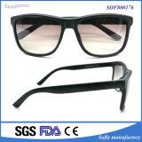 Nuovo occhiali da sole di modo polarizzati di estate di vetro stile della marca Designe