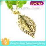 Halsband van de Bloem van de Charme van het Kristal van de Oneindigheid van de Legering van de Juwelen van het huwelijk de Zilveren Vastgestelde