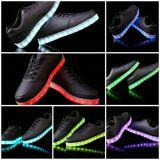 Zapatos populares de los adultos LED en la Navidad