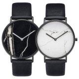 Het speciale het Ontwerpen Horloge van de Manier van het Roestvrij staal met Marmeren Wijzerplaat Bg432