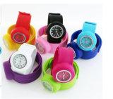 Yxl-878 Horloge van uitstekende kwaliteit van de Tik van het Gezicht 12numbers van het Horloge van de Tik van het Silicone van de Groothandelsprijs het Glanzende