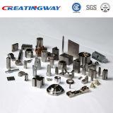 Peças de alumínio fazendo à máquina de trituração do CNC do profissional