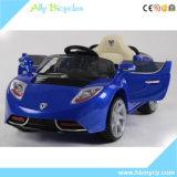 Le véhicule électrique des doubles d'entraînement d'oscillation enfants à quatre roues à télécommande neufs de Sittable