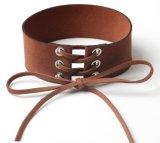 Breite Spitze-Halskette mit Samt-Muffen-Form Chocker