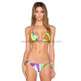 Bunte reizvolle Dame-heißer Bikini
