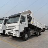 6X4 Sinotruk HOWOのダンプカートラックの貨物自動車および大型トラックのダンプトラック