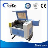 Máquina de gravura pequena do laser do CNC Ck6040 para o Tag/plástico/acrílico do animal de estimação
