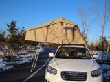 Campingのための中国のSupplier Wholesales 3 Persons Car Roof Top Tent