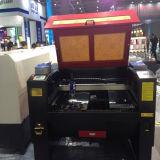 Gravura do laser Jd-1080 e máquina de estaca para a madeira