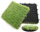 容易な連結の人工的な草のタイル