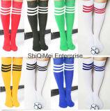 Personalizzare gli alti calzini dagli allievi del ginocchio lungo all'ingrosso del vestito