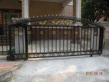 El nuevo jardín decorativo forjó la puerta de acero