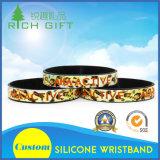 Debossed personalizado segmentado com os braceletes relativos à promoção plenos do silicone