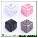 Fileur conçu neuf de cube en grand dos de la personne remuante 2017