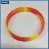 Braccialetto su ordinazione del silicone di fabbricazione in serie del camuffamento Mixed di colore