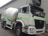 Camion della betoniera con i certificati di qualità sulla vendita