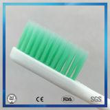 Du Pont colorido eriça o Toothbrush com o punho grande