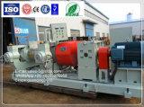 Un frantumatore aperto dei due rulli/laminatoio di gomma di raffinamento/raffinatore di gomma ripreso