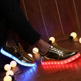2017 ботинок способа светящих СИД для девушок мальчиков