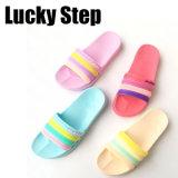 Farbe vier der EVA-Frauen-Schuhe