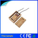 Acollador de encargo 2016 de la insignia del grabado de China Manufacter Pendrive de madera