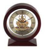 Reloj esquelético antiguo de cobre amarillo, reloj esquelético de madera antiguo del escritorio