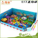 Campo de jogos interno dos miúdos macios feito na corrediça Inflactable da esponja do estilo do oceano do projeto de China
