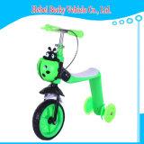 번쩍이는 바퀴 아이 발 걷어차기 스쿠터 자전거를 가진 중국 아이 스쿠터