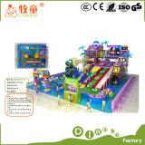 Facilidades internas macias do jardim de infância da corrediça do plástico e da fibra de vidro do campo de jogos