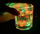 جميلة [لد] يبرق فنجان لأنّ حزب