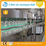 Máquinas de rellenar automáticas llenas del agua de botella del tarro