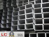 Conduttura vuota rettangolare nera della sezione