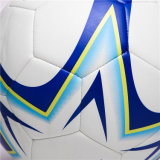 Звезда футбола обшивает панелями шарик футбола машины