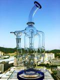 Tubo de agua de cristal del panal que fuma clásico con un tazón de fuente de la flor