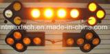 Automobile che oscura il piccolo segno economizzatore d'energia della freccia di traffico