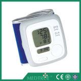 Moniteur médical approuvé de pression sanguine de Digitals de poignet de Ce/ISO (MT01036032)