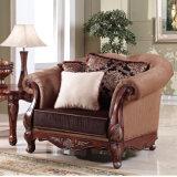 ホームのためのビロードファブリック標準的なソファーの一定のソファそして骨董品表と装飾される古典的な居間のソファー
