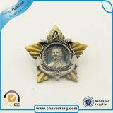 Значок эмали Pin двойным отворотом медали звезды плакировкой мягкий
